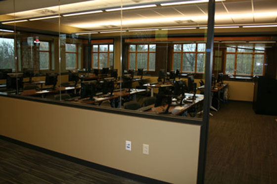 4th floor computer lab and library instruction area