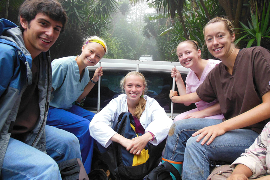 Pre-veterinary students en route to field site in Nicaragua