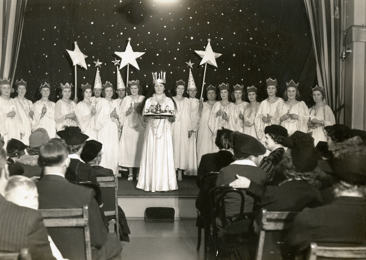 Sankta Lucia performance at Gustav Adolf Church in New York City. From Justina Lofgren family papers, Swenson Swedish Immigration Research Center.