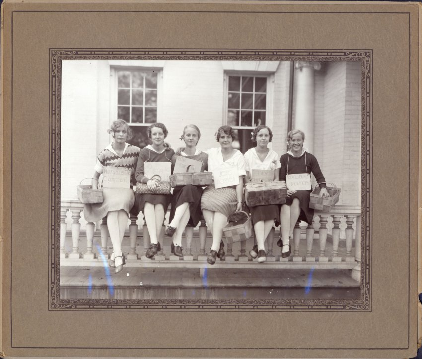Group photograph of 6 freshman sorority sisters of Upsala College, 1930. From the Upsala College (East Orange, N.J.) records, Swenson Swedish Immigration Research Center.